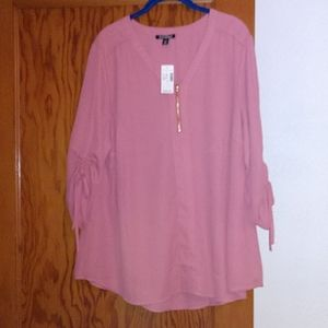 Dress Barn Roz &Ali coral/pink blouse or tunic top